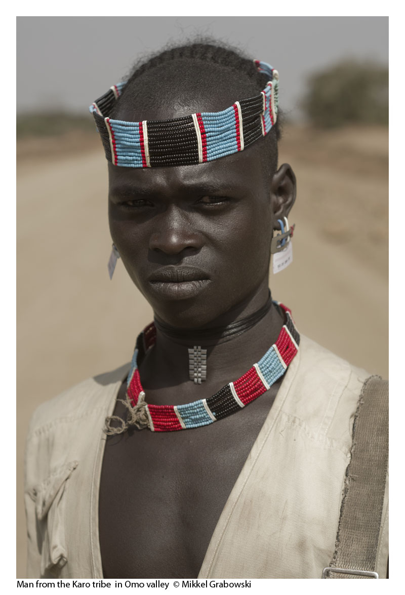 Man from the Karo tribe  in Omo valley  © Mikkel Grabowski